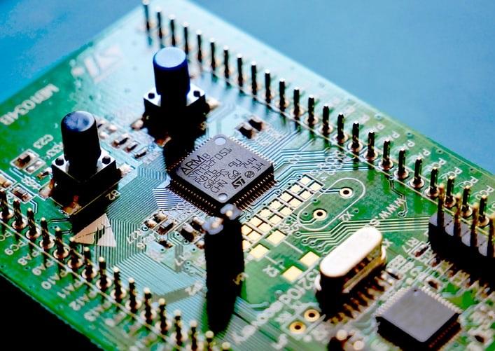 工程師要被 AI 取代了嗎?設計IC晶片的速度就有差距啦!